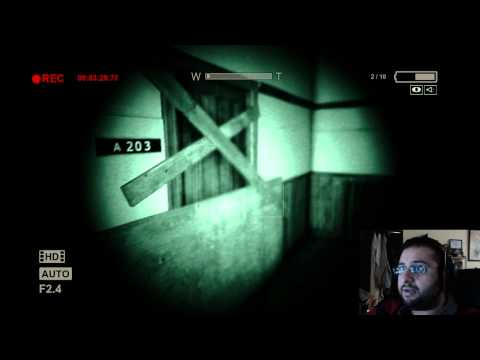 بيشو يلعب (الجزء الأول) للعبة Outlast